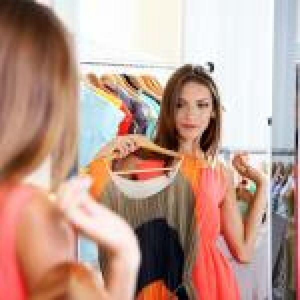 Ha elakadt a ruhavásárlásnál, kérdezze az okostükröt!