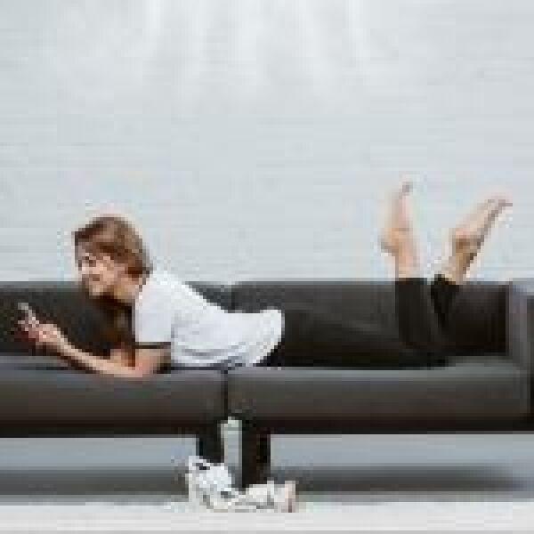 A telefonon netezők kétharmada már éjjel-nappal a neten lóg