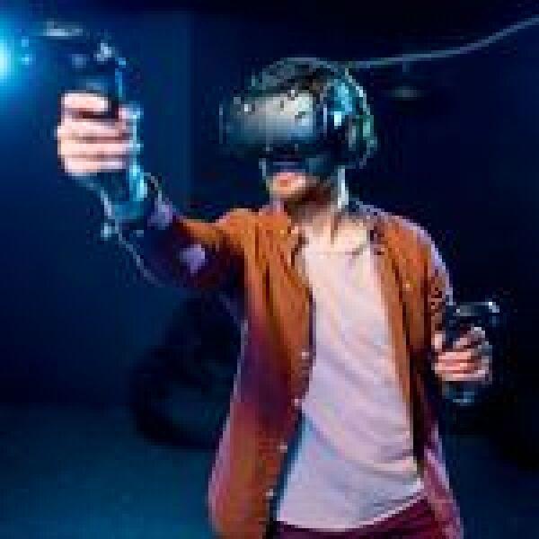 VR-rajongóknak: érkezik az Oculus Quest 2